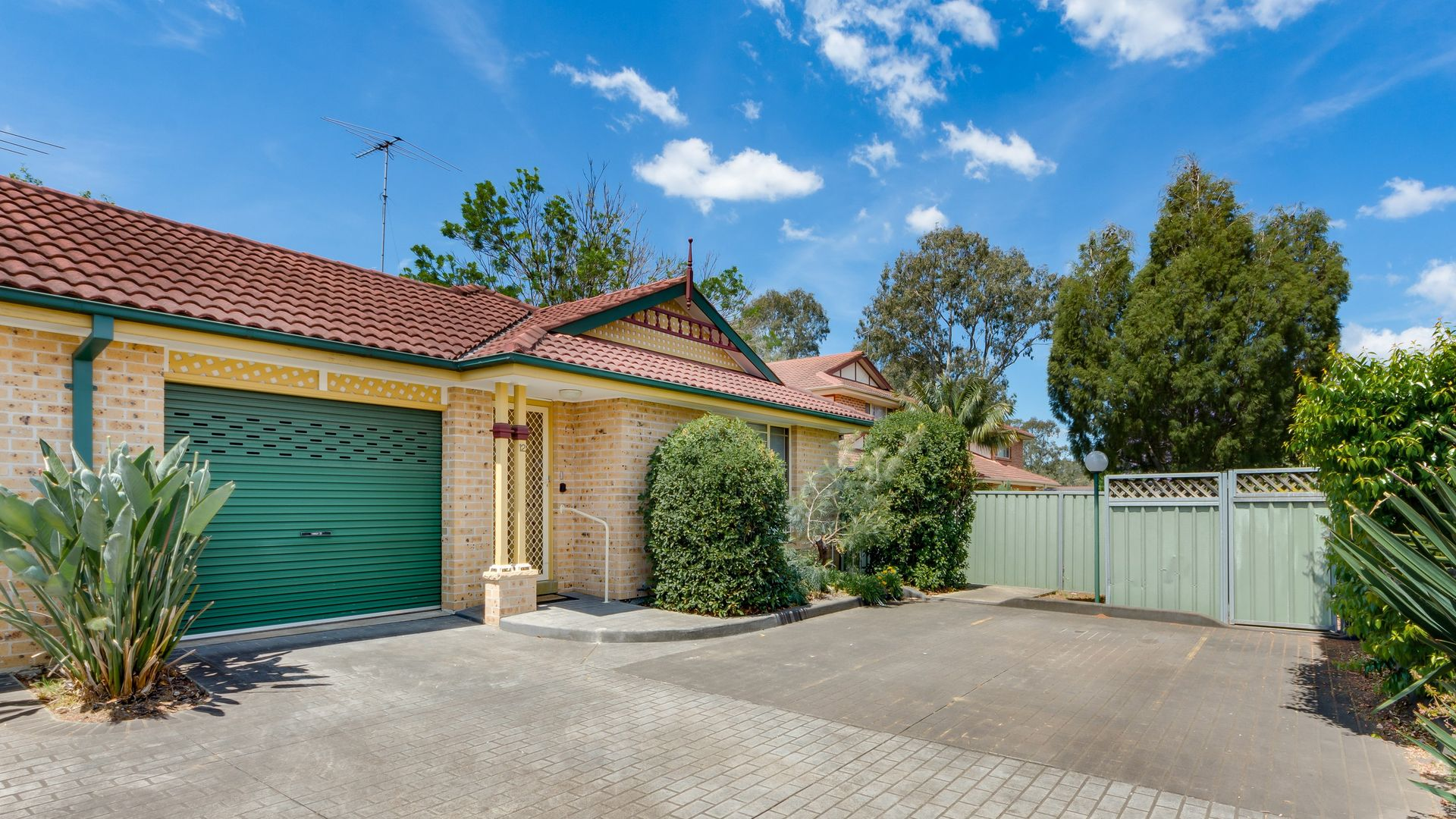 12/4-8 Gordon Avenue, Ingleburn NSW 2565, Image 1