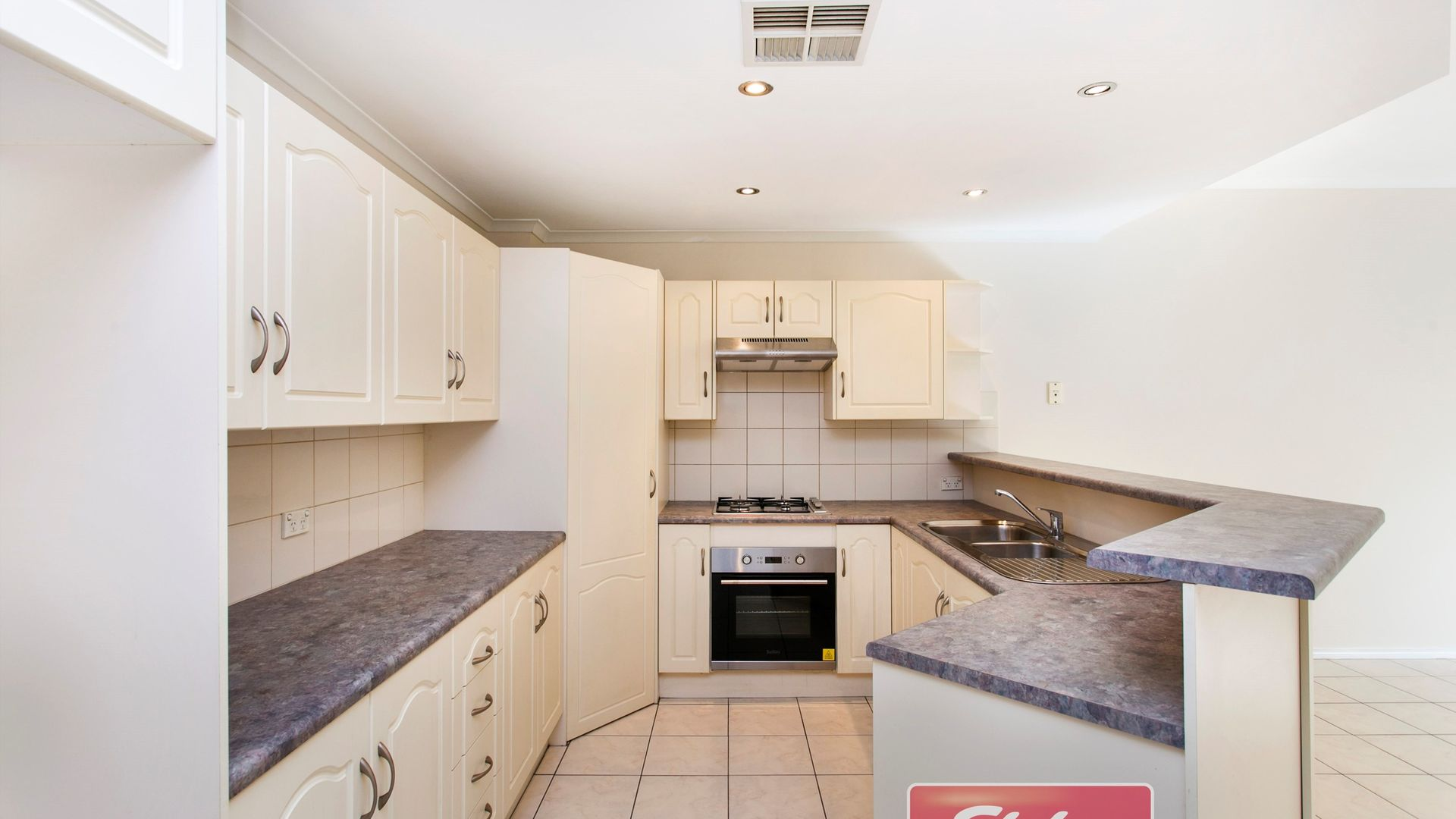 8/3 Grassmere Place, Mawson Lakes SA 5095, Image 2