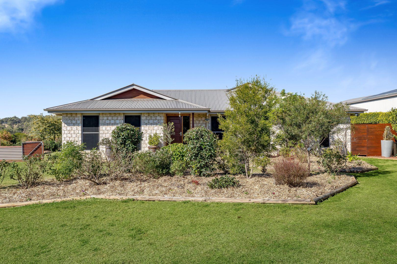 6 Parkview Place, Meringandan West QLD 4352, Image 1