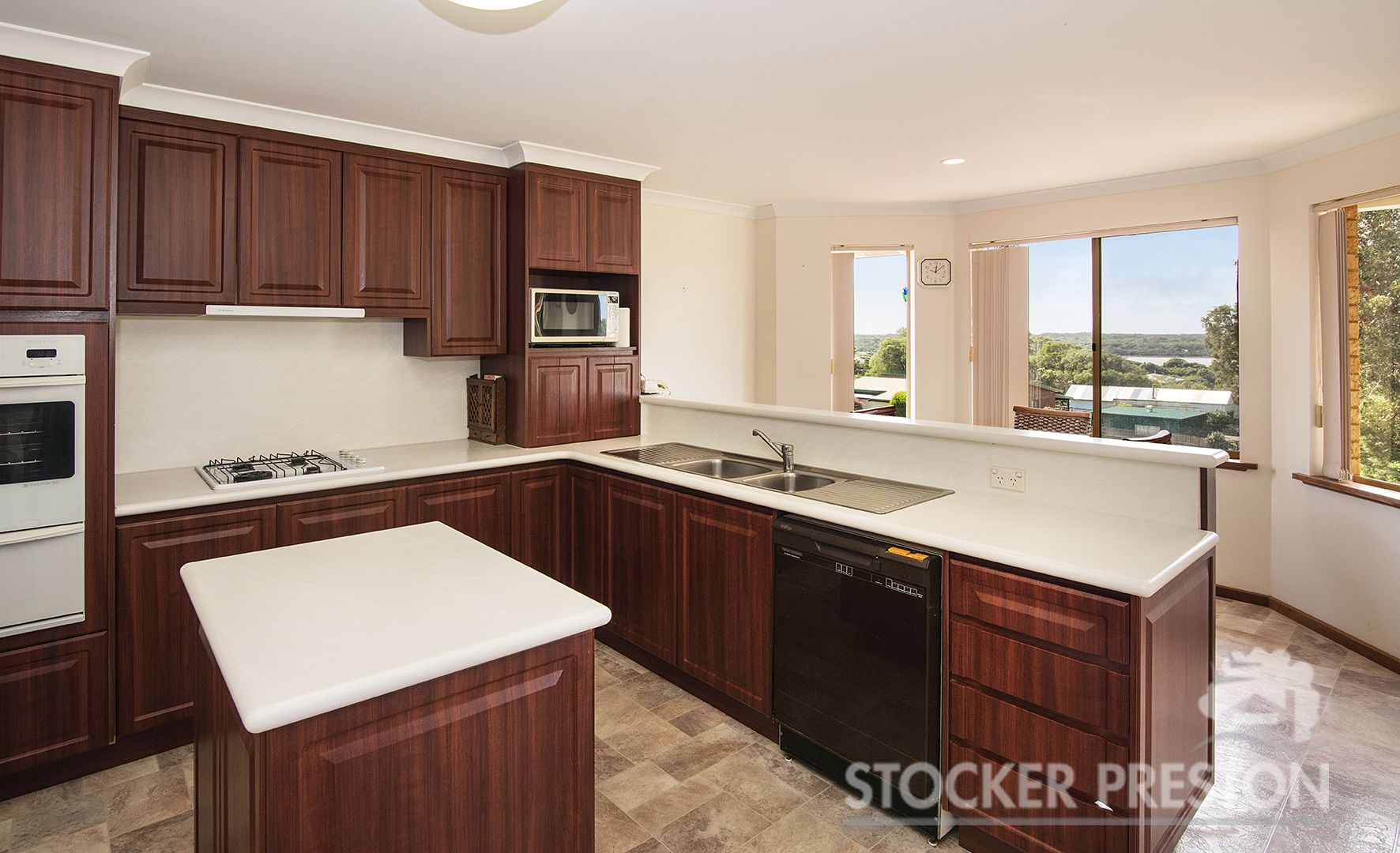 8 Allnut Terrace, Augusta WA 6290, Image 2