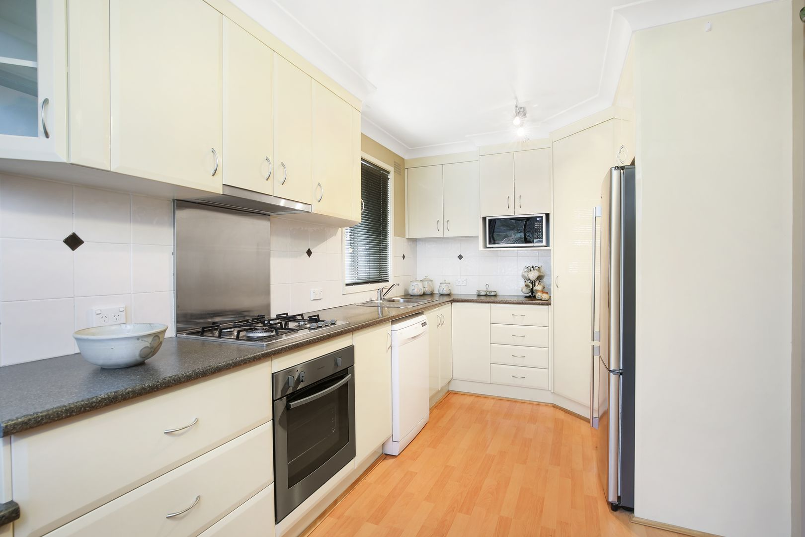 63 Cawley Street, Bellambi NSW 2518, Image 2