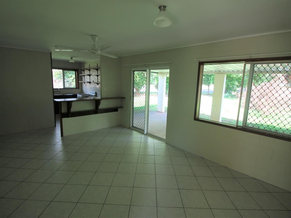 28 Davis Close, Manoora QLD 4870, Image 2