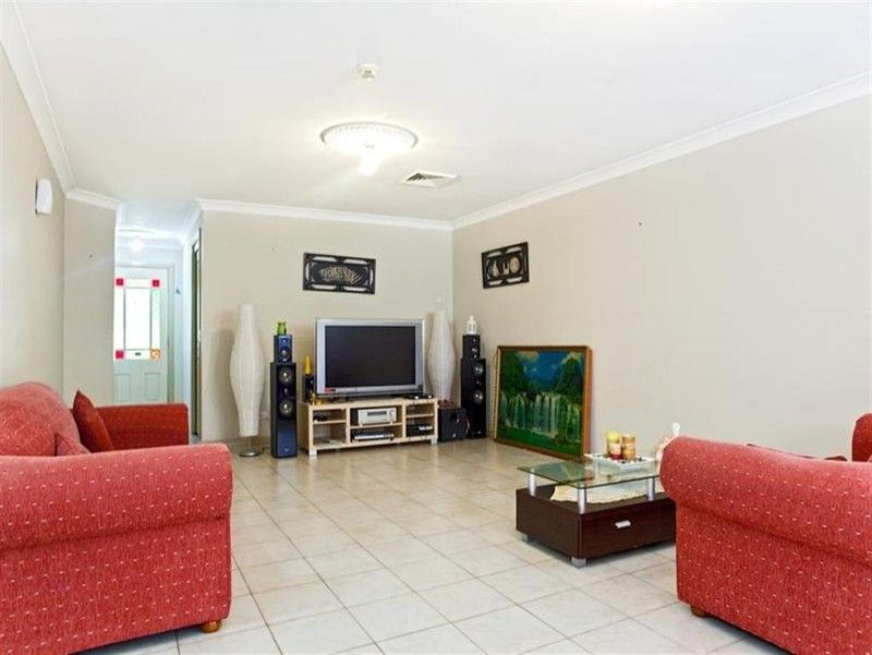 55 EDENSOR ROAD, St Johns Park NSW 2176, Image 2