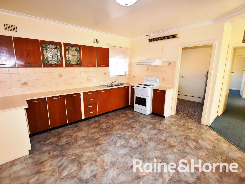8/13 Torpy Street, Orange NSW 2800, Image 1