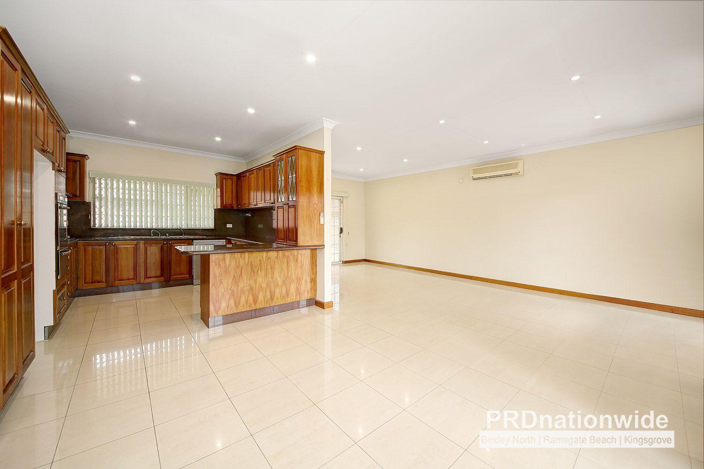 8 Douglas Street, Earlwood NSW 2206, Image 2