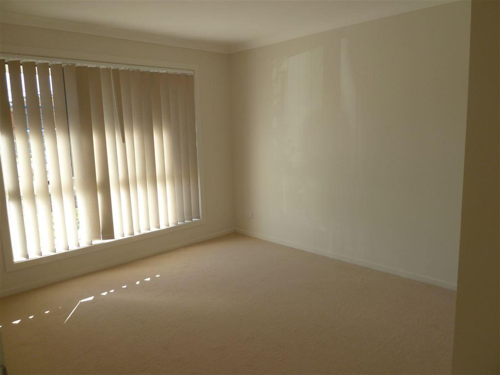 45 Huntley Crescent, Redbank Plains QLD 4301, Image 2