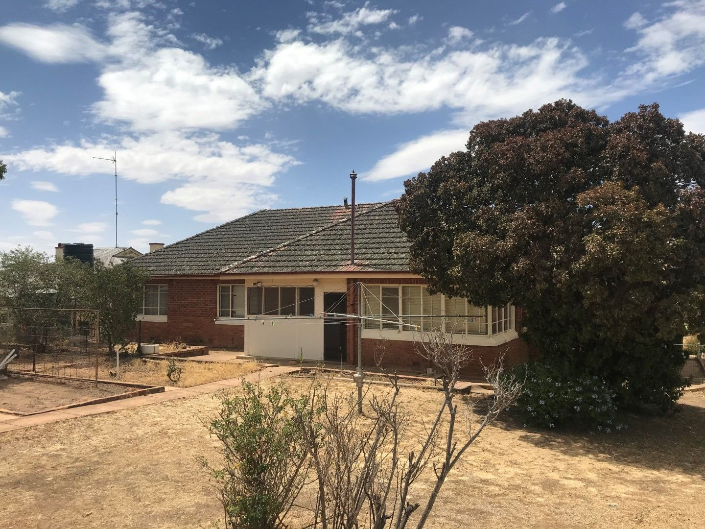 17 Young Street, Grenfell NSW 2810, Image 1