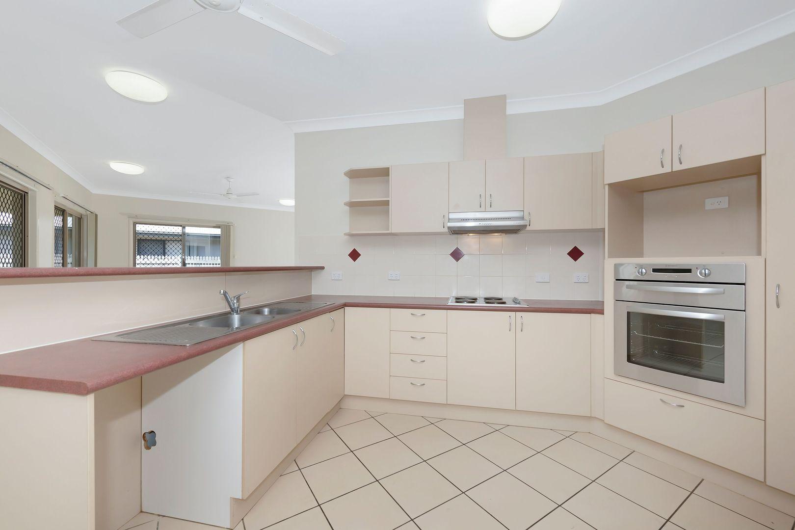 59 Elphinstone Drive, Kirwan QLD 4817, Image 2
