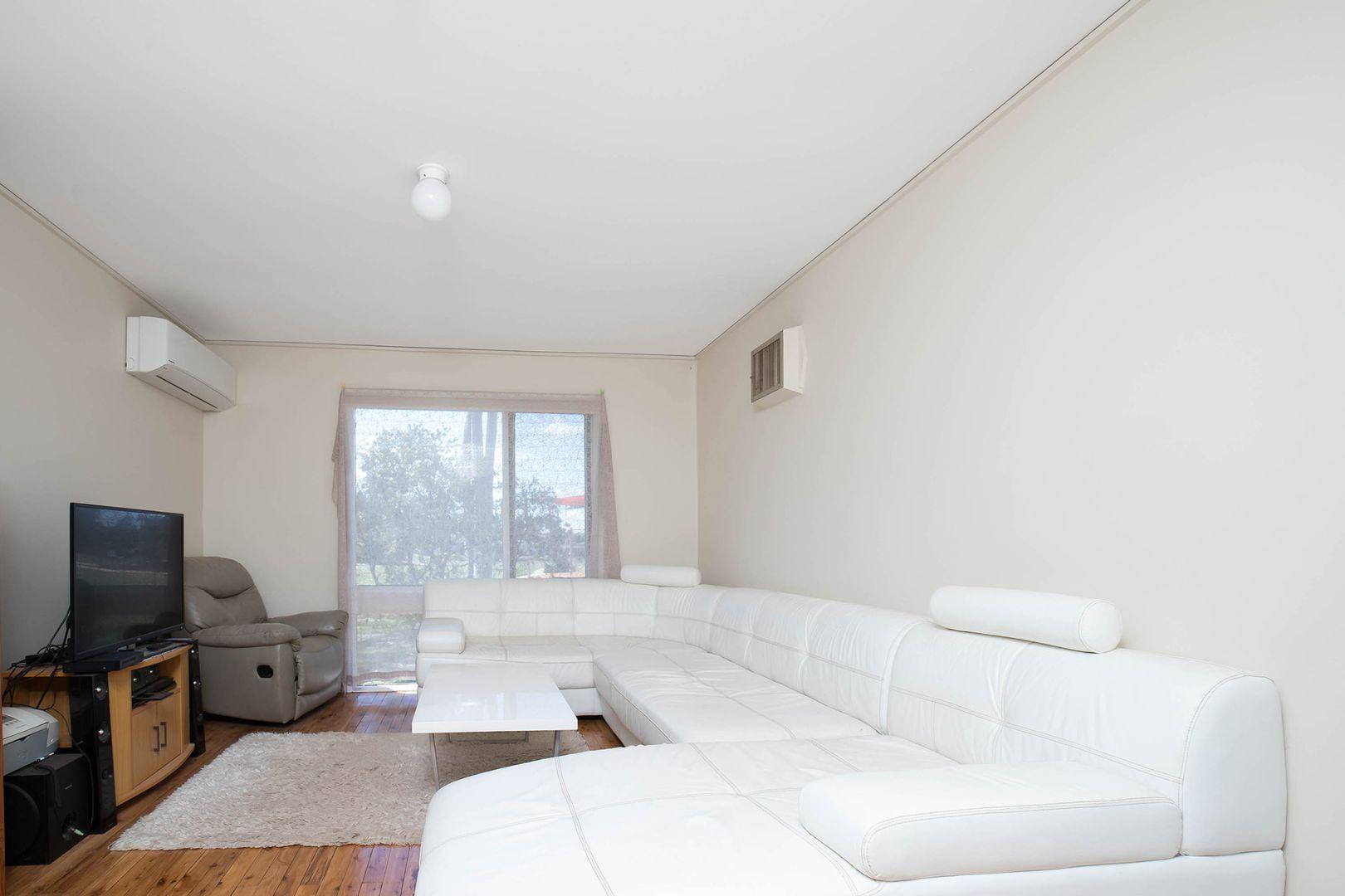 143 The Parkway, Bradbury NSW 2560, Image 1