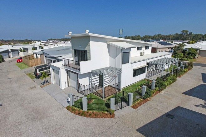 Picture of 1/16 Macintyre Crescent, PELICAN WATERS QLD 4551