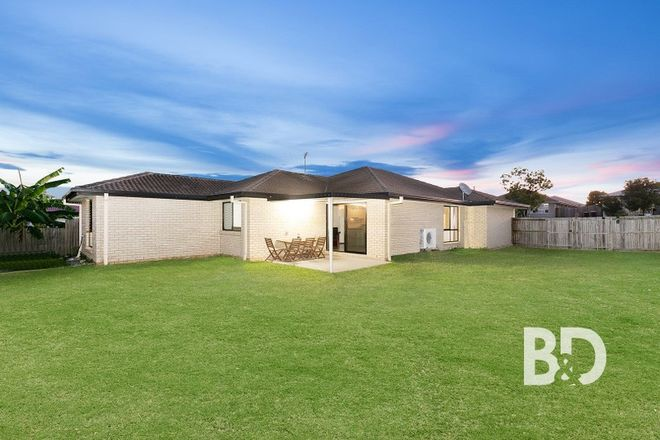 Picture of 11 Coach Road West, MORAYFIELD QLD 4506