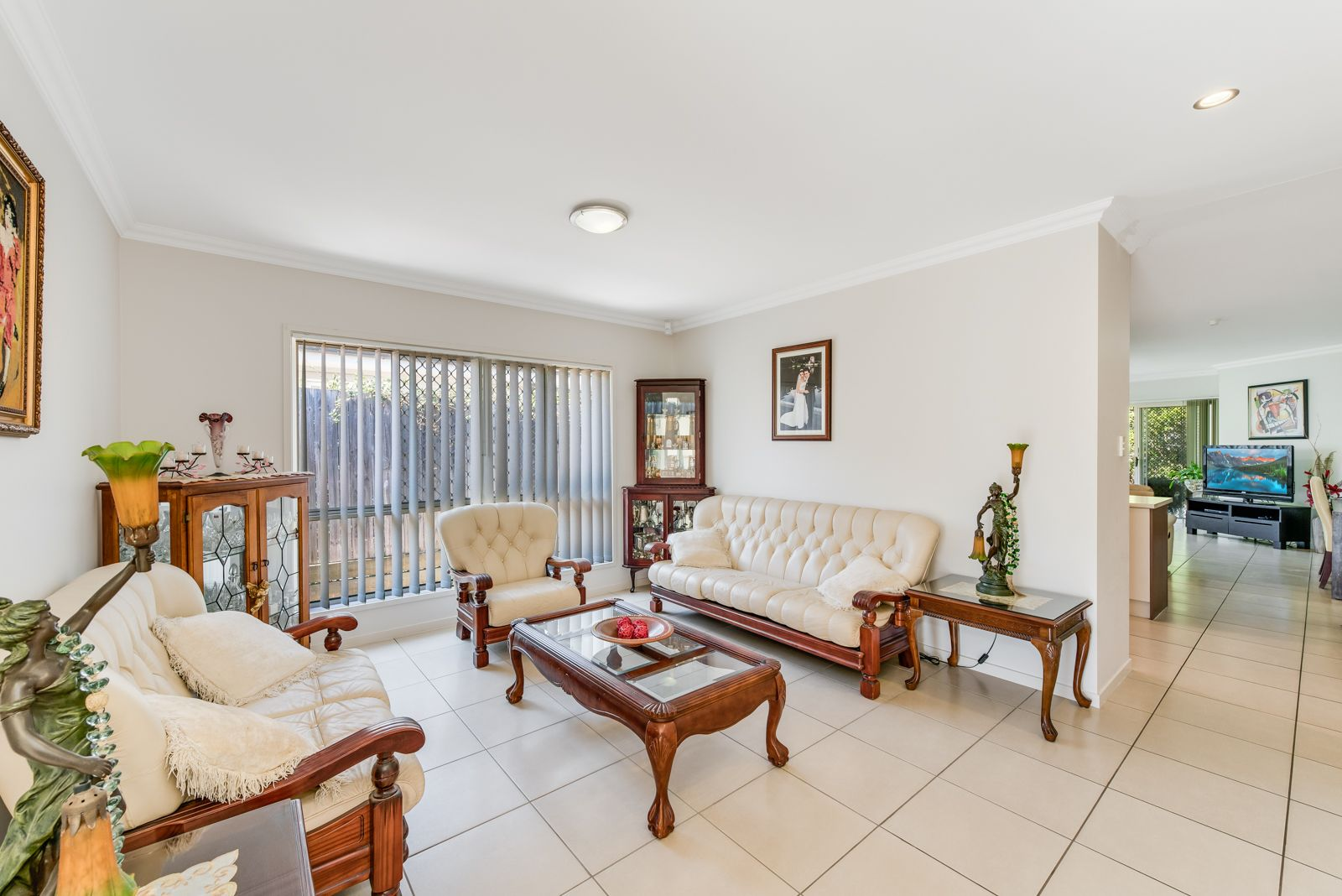 99 Winstanley Street, Carina Heights QLD 4152, Image 2