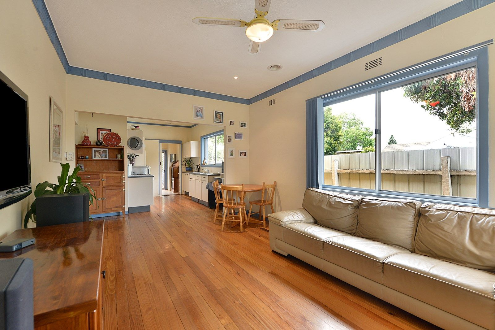 6 Railway Parade, Seaford VIC 3198, Image 2