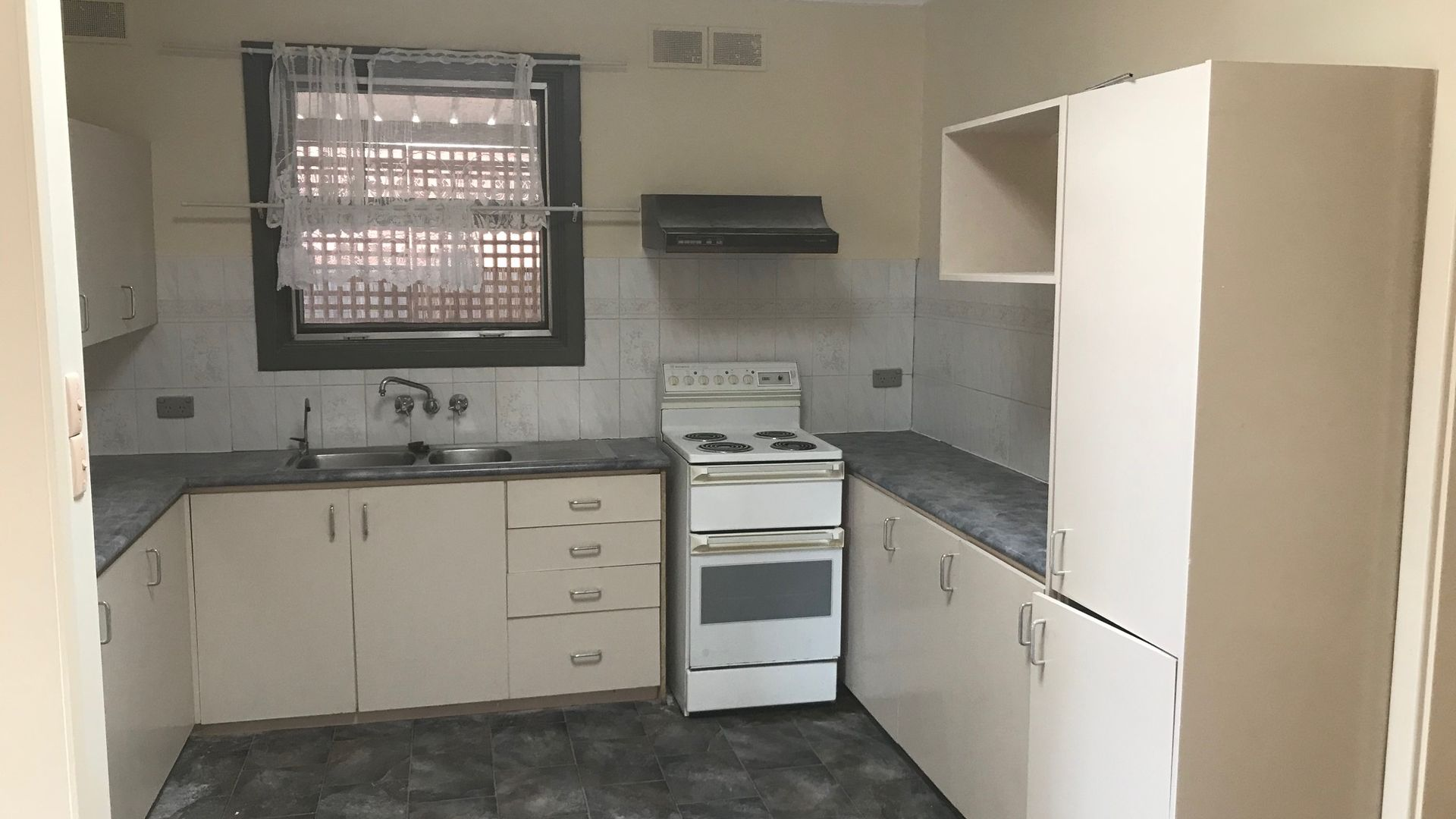 16 Bell Street, Smithfield Plains SA 5114, Image 1