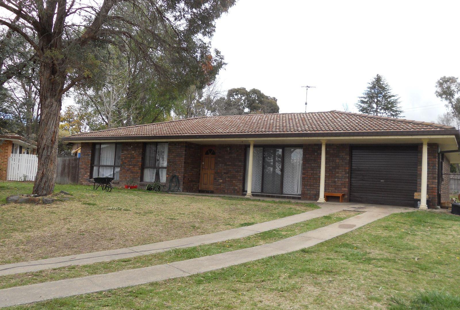 11 Howard Place, Armidale NSW 2350, Image 2
