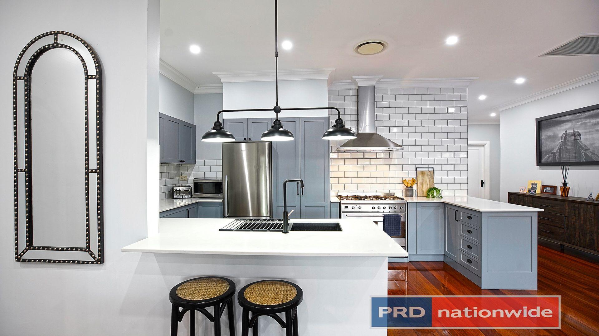 32 Ladbury Avenue, Penrith NSW 2750, Image 2