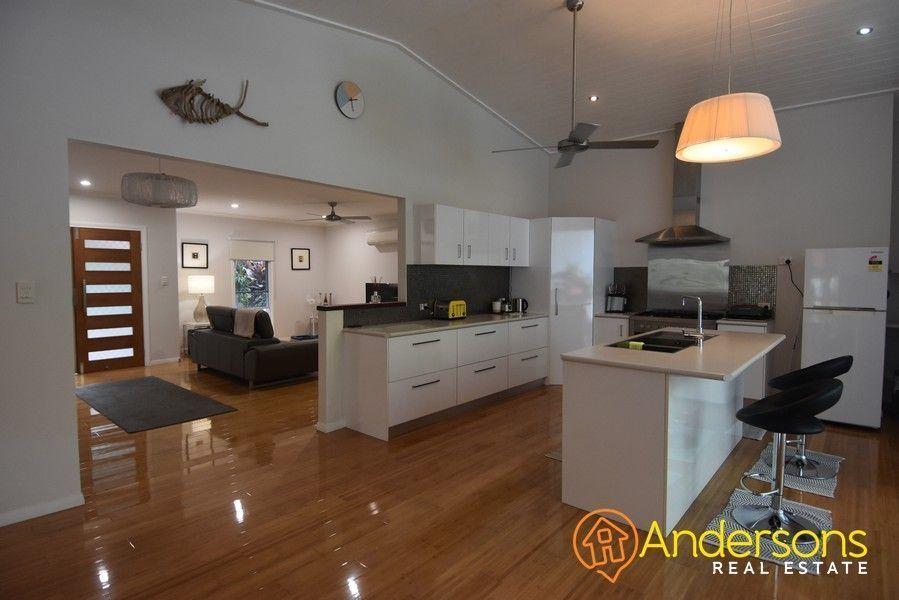 10 Dunkalli Crescent, Wongaling Beach QLD 4852, Image 1