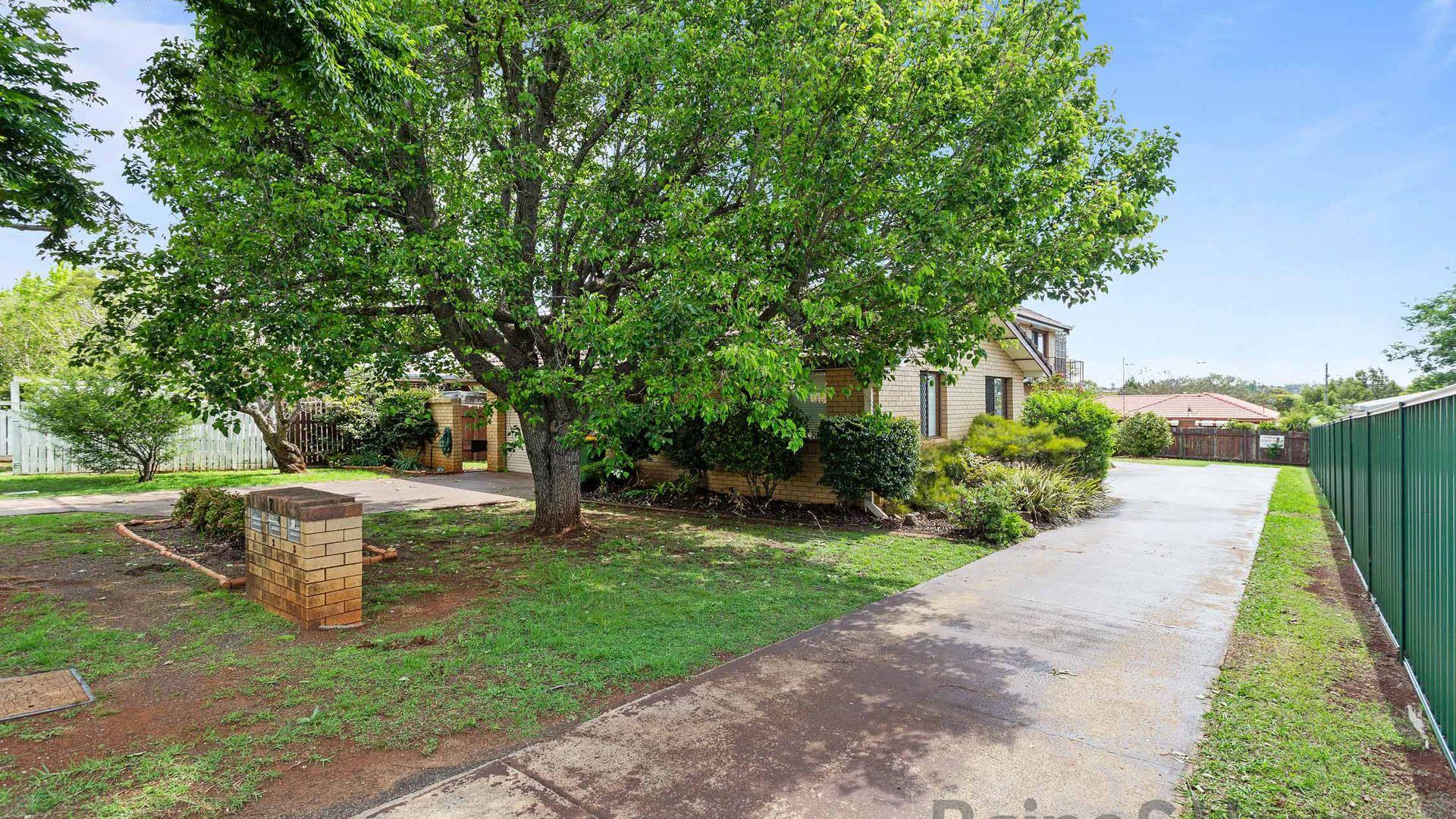 3/7 Damian Crescent, Kearneys Spring QLD 4350, Image 1