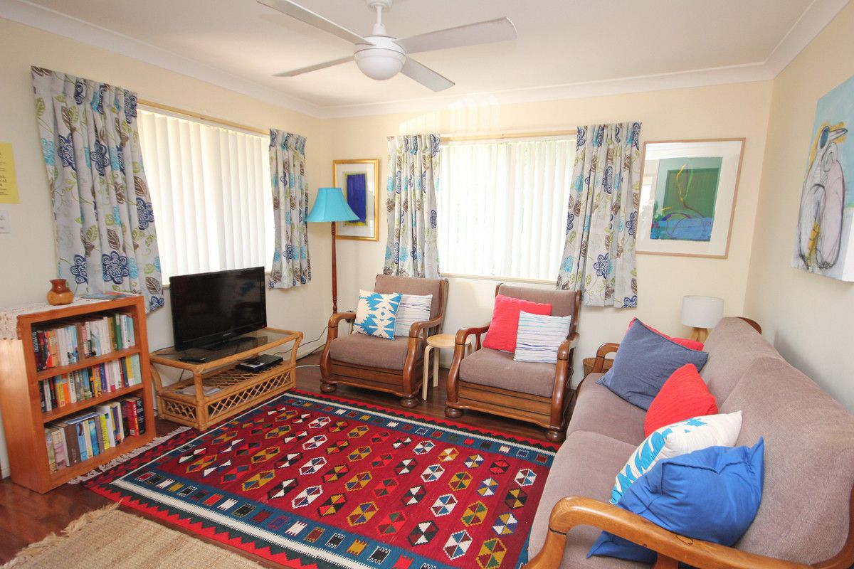 9 David Campbell Street, North Haven NSW 2443, Image 2