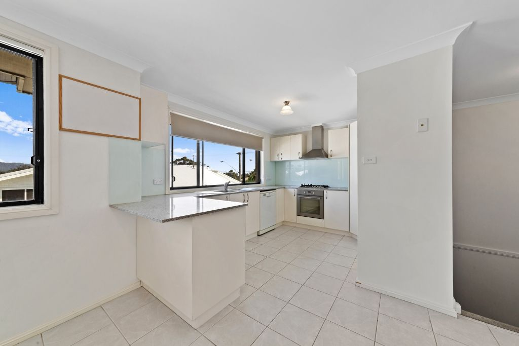 2/17 Henry Parry Drive, East Gosford NSW 2250, Image 2