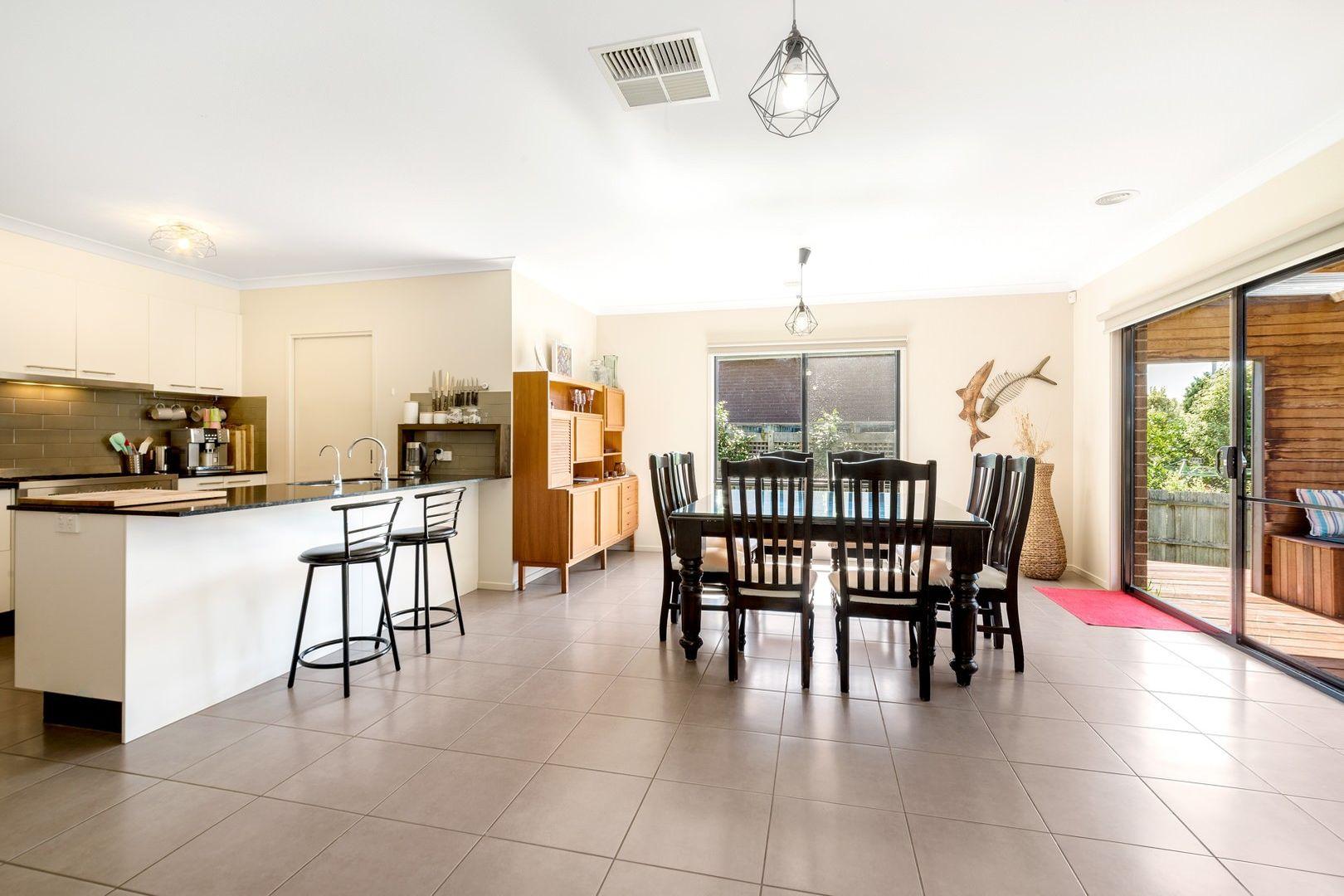 25 Parrakoola Avenue, Clifton Springs VIC 3222, Image 2