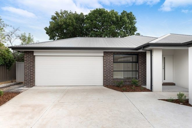 Picture of 2/10 Sherwood  Street, WENDOUREE VIC 3355