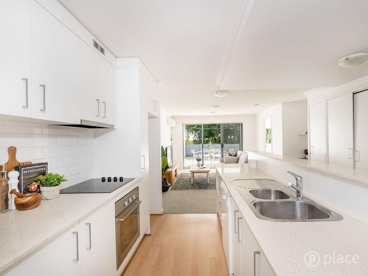 2/7 Ashgrove Avenue, Ashgrove QLD 4060, Image 0