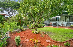 Picture of 2/142 Pease Street, Manoora QLD 4870