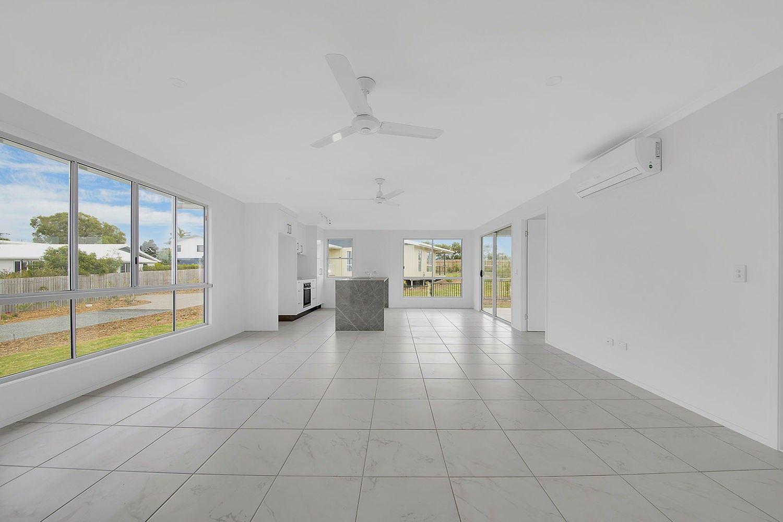 3/41 Thomas Street, Emu Park QLD 4710, Image 2