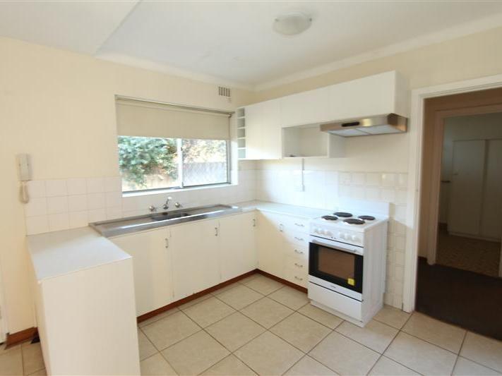 2/3 Ranelagh Crescent, South Perth WA 6151, Image 2