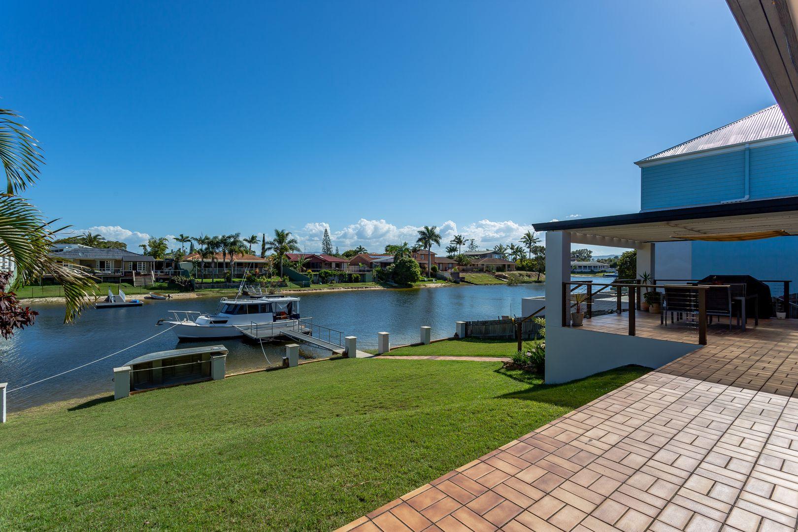 22 Kurrawa Avenue, Mermaid Waters QLD 4218, Image 0