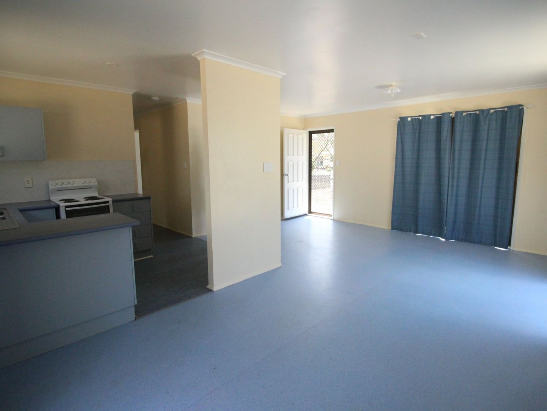 42 Dingyarra Street, Toogoolawah QLD 4313, Image 2