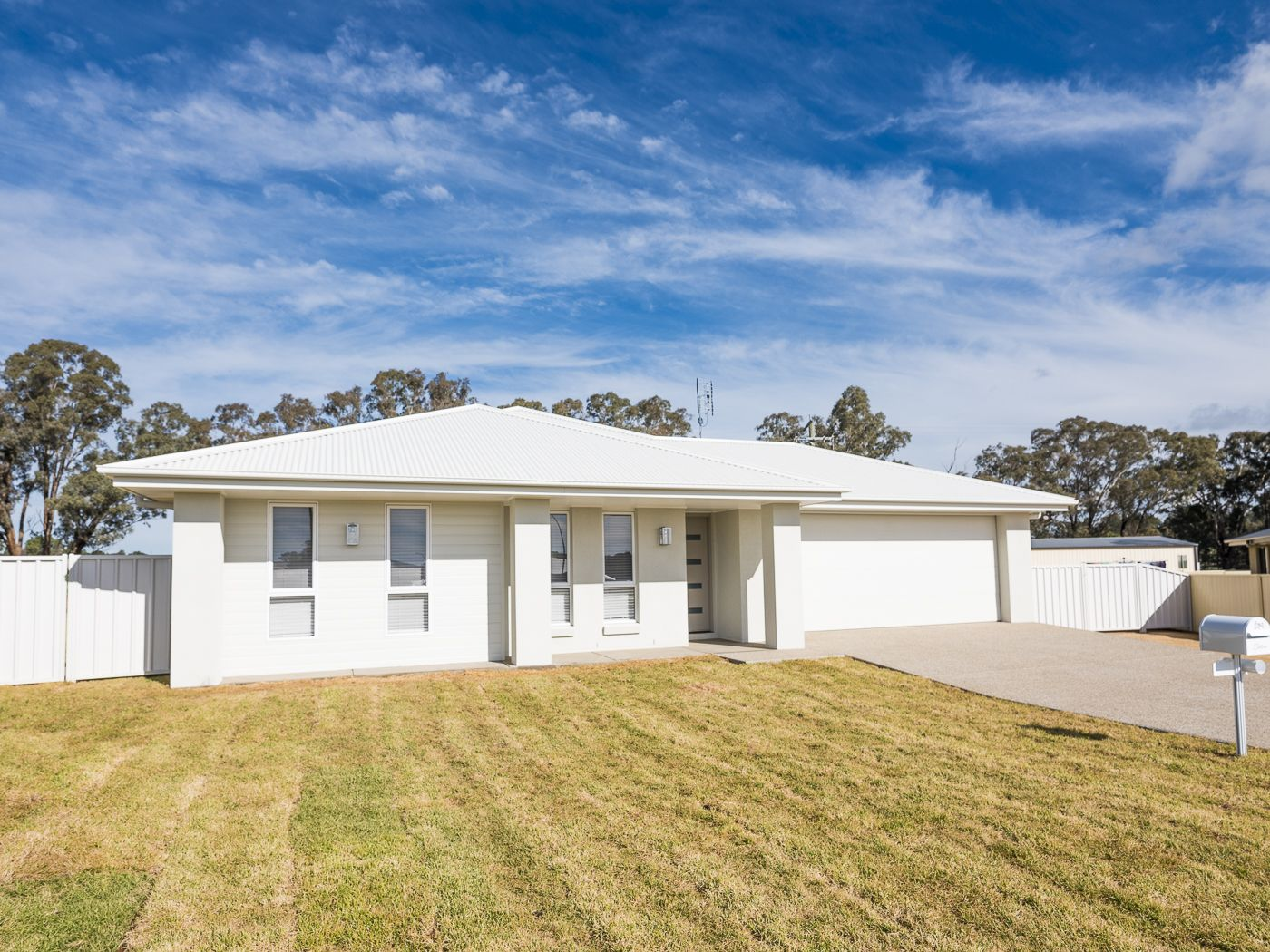 24 Huckel Close, Grenfell NSW 2810, Image 0
