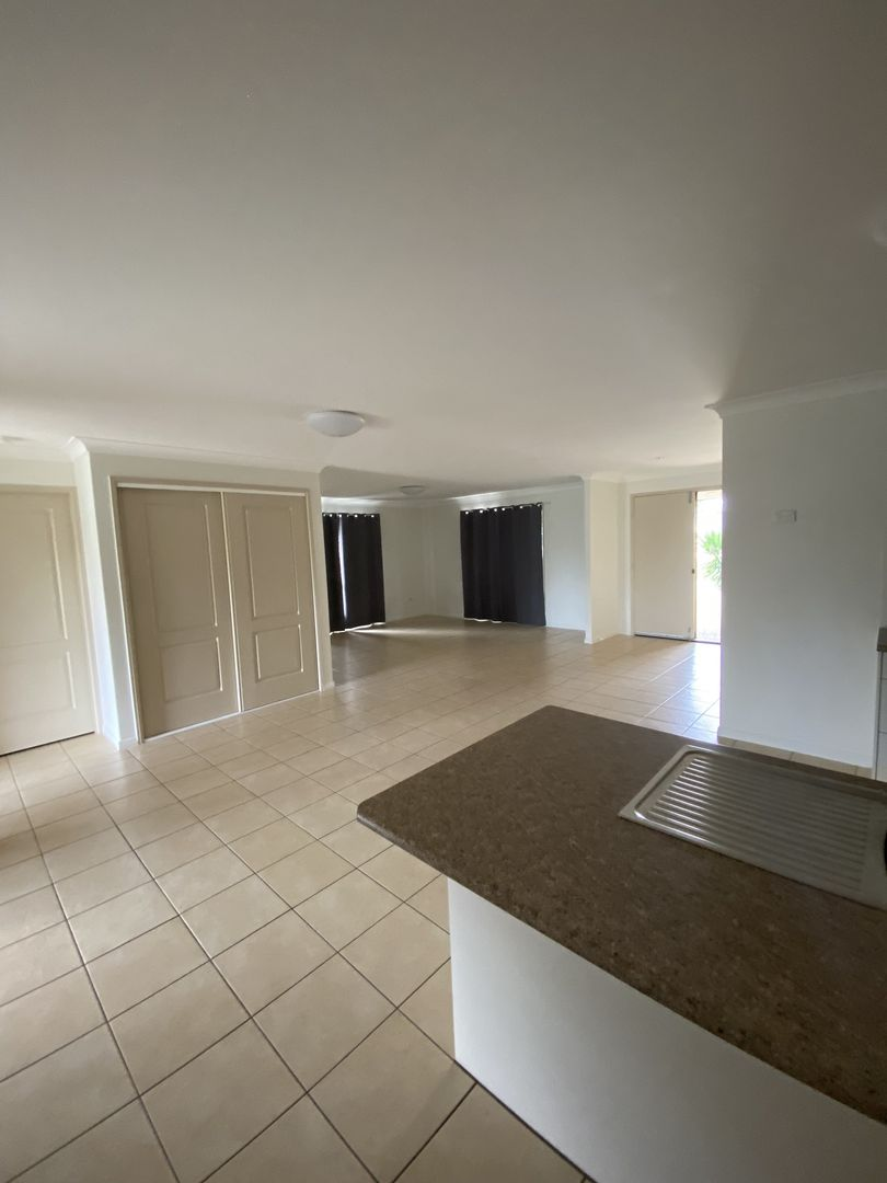 3 Isabel Court, Gracemere QLD 4702, Image 2