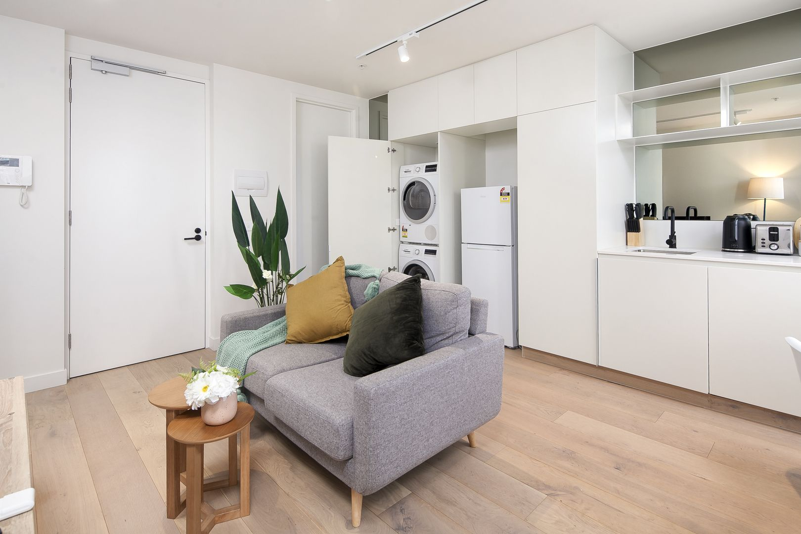 309/75-77 Palmerston Crescent,, South Melbourne VIC 3205, Image 2