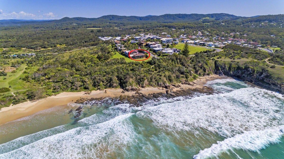 1 Lighthouse Crescent, Emerald Beach NSW 2456, Image 0