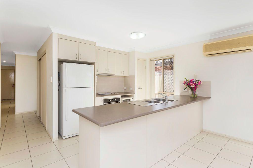 32a Pinelands Street, Loganlea QLD 4131, Image 2