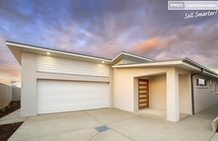 Picture of 2/12 Hollows Crescent, Lloyd NSW 2650