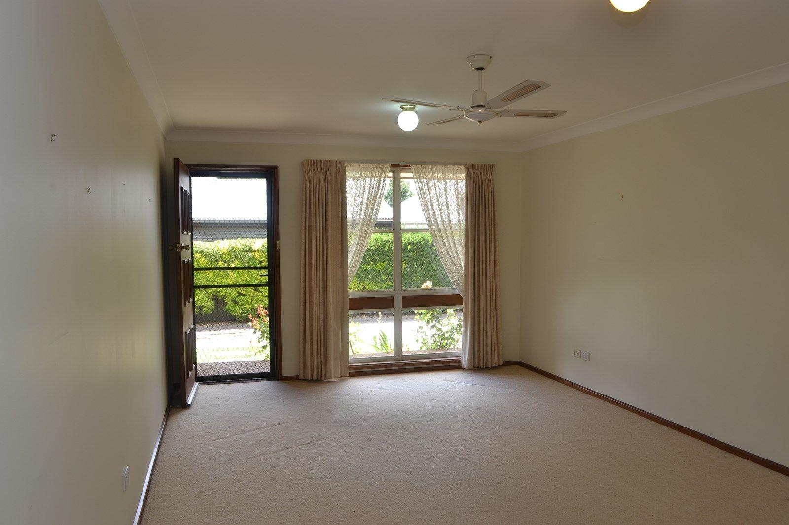4/36 Collins Street, Turvey Park NSW 2650, Image 1