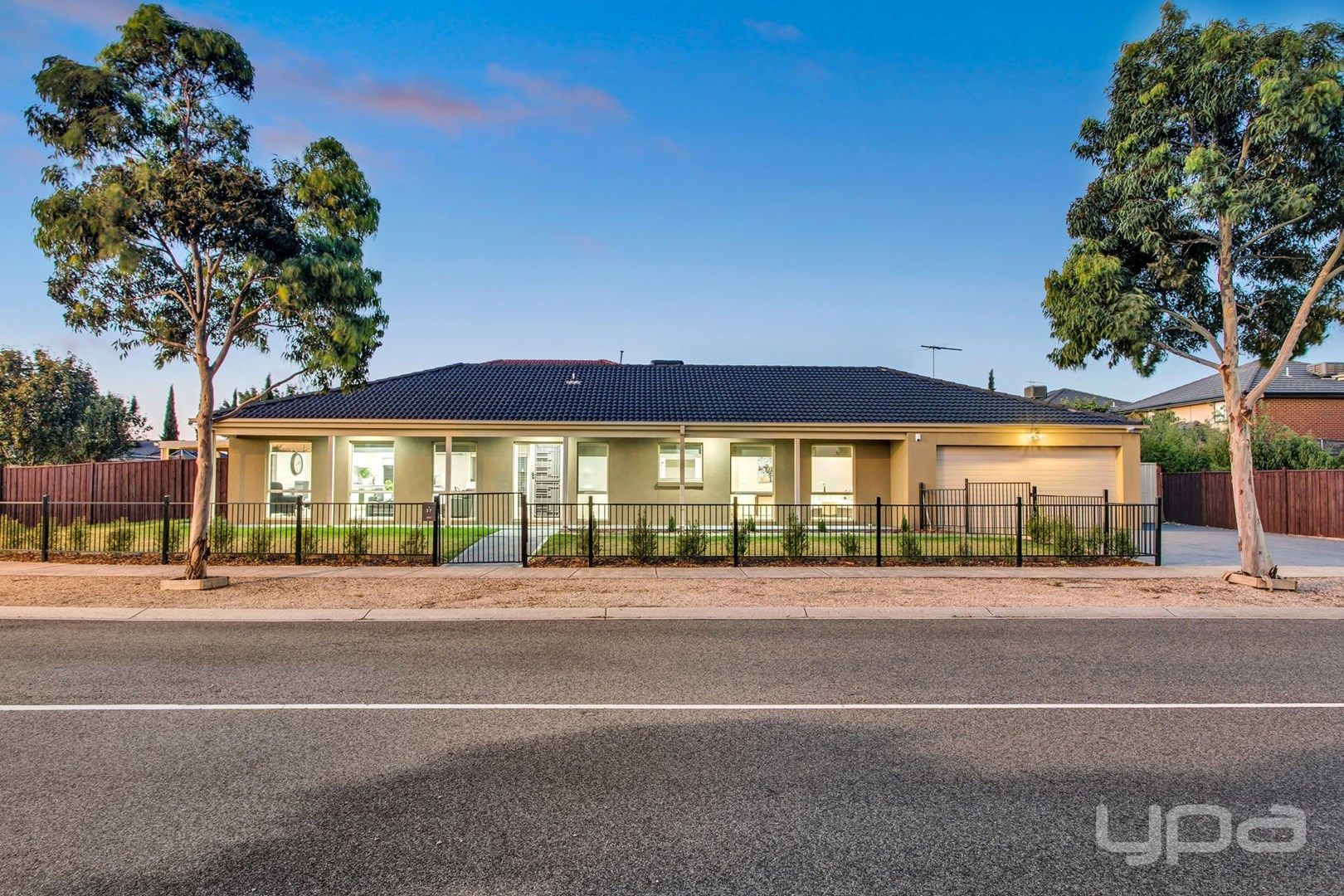 37 Fuchsia Crescent, Point Cook VIC 3030, Image 0