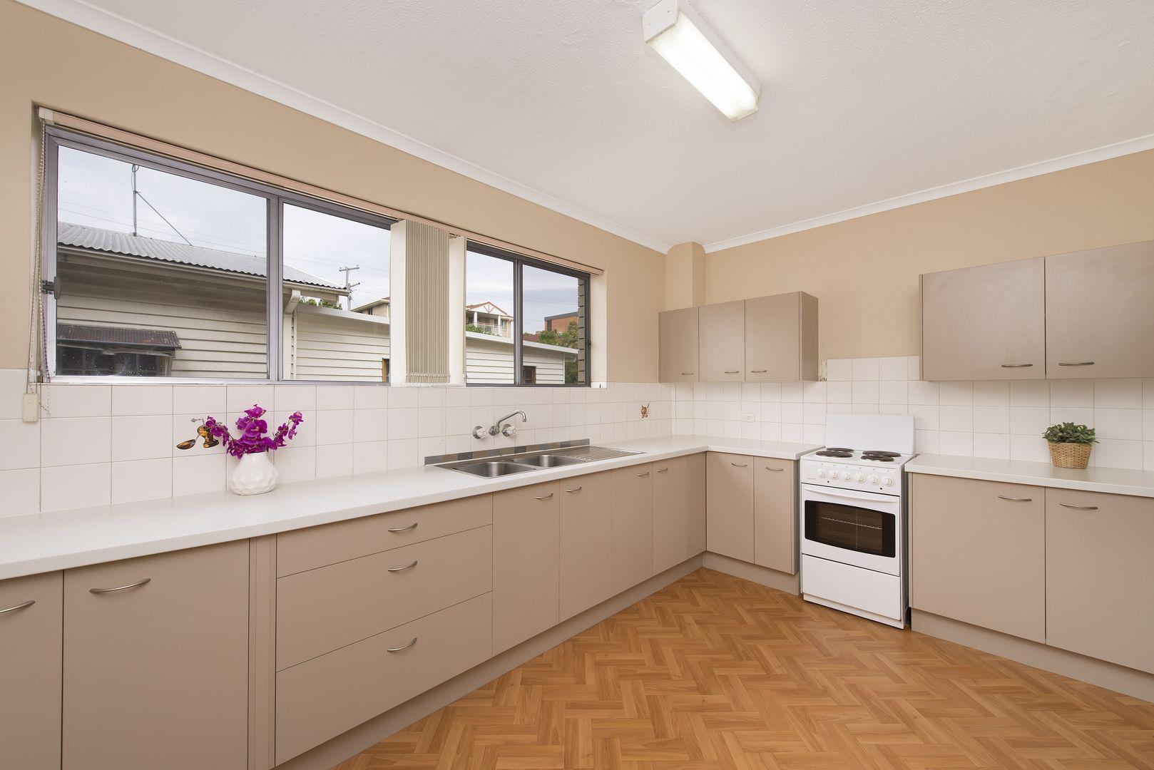 4/21 St Leonards Street, Coorparoo QLD 4151, Image 0