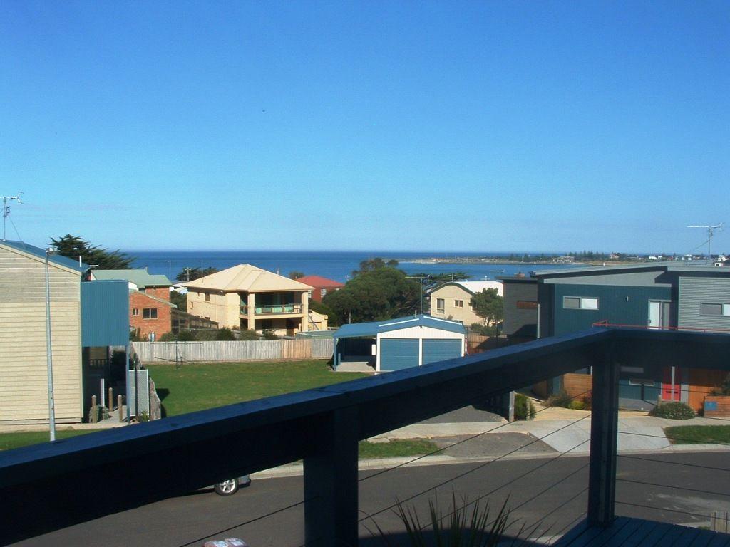 4 Seaview Drive, Apollo Bay VIC 3233, Image 1