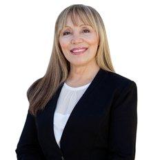 Maria Selleck, Sales representative