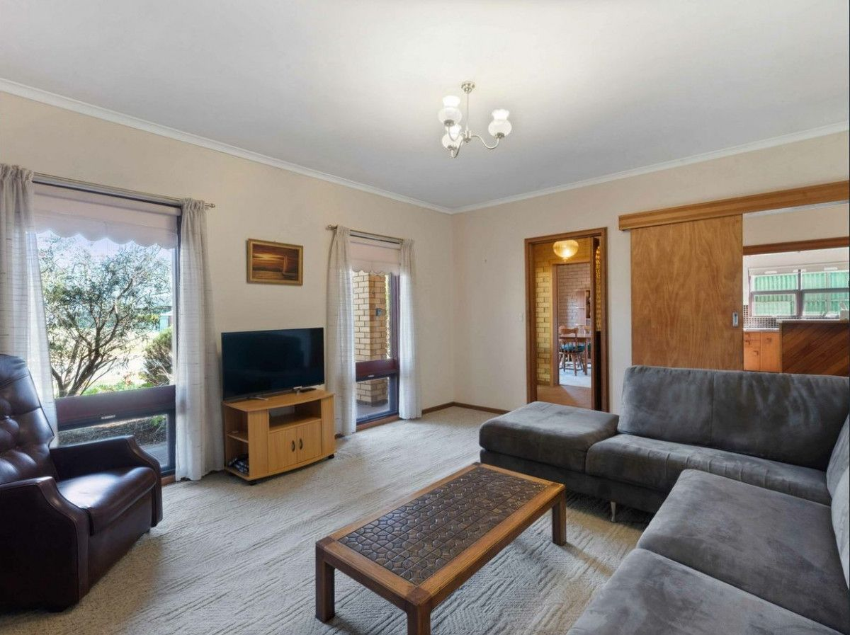 8 Menkens Street, Fulham Gardens SA 5024, Image 1