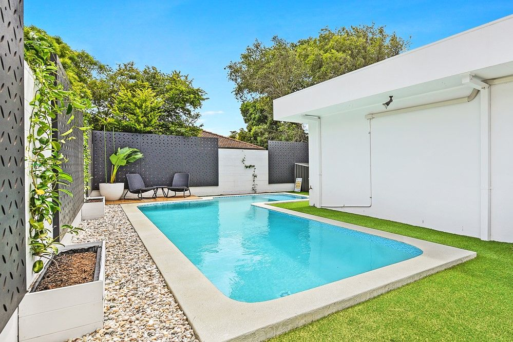 7 Sapphire Street, Hollywell QLD 4216, Image 2