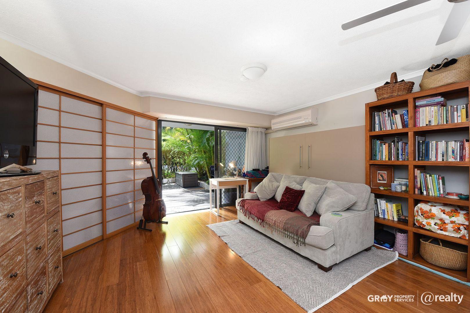10/4-6 Beerburrum Street, Dicky Beach QLD 4551, Image 2