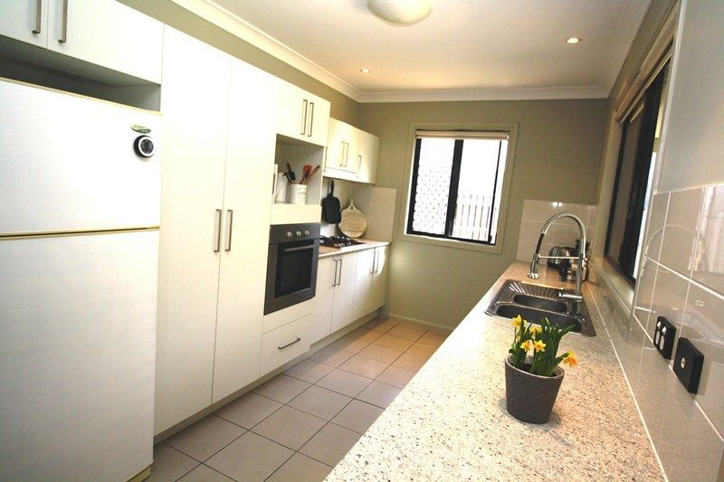 19 Strathburn Street, Mount Louisa QLD 4814, Image 1