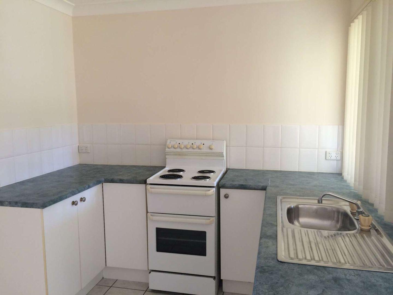 37 Lorebury Drive, Caboolture QLD 4510, Image 2