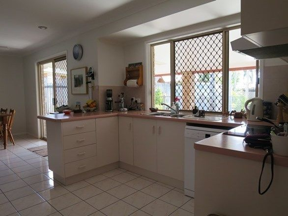 4 Melissa Court, Beaconsfield QLD 4740, Image 2