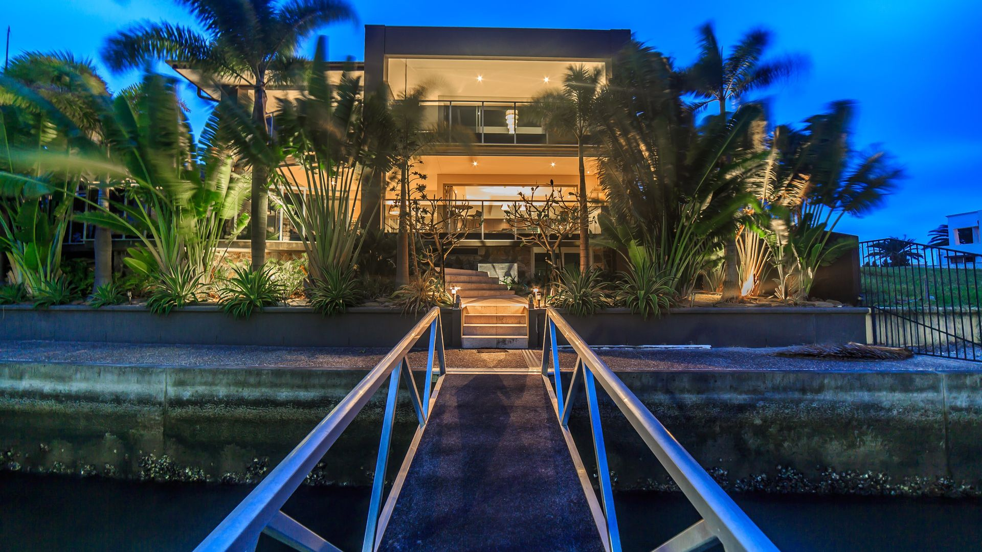 49 Knightsbridge Parade East, Sovereign Islands QLD 4216, Image 1